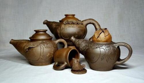 Группа чайников одной серии