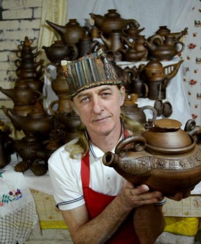 Автор  с чайниками