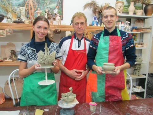 Юрий Белетей и гости мастерской Катя и Иван