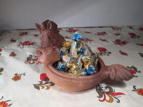 Глиняная лошадь