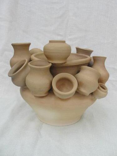 Декоративный глиняный горшок