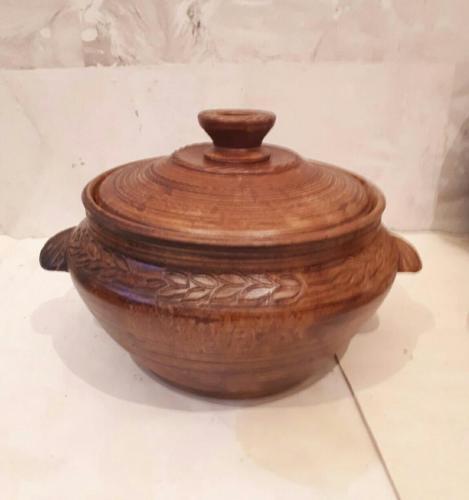 Глиняный горшок