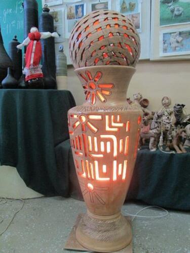 Керамический вазон-светильник