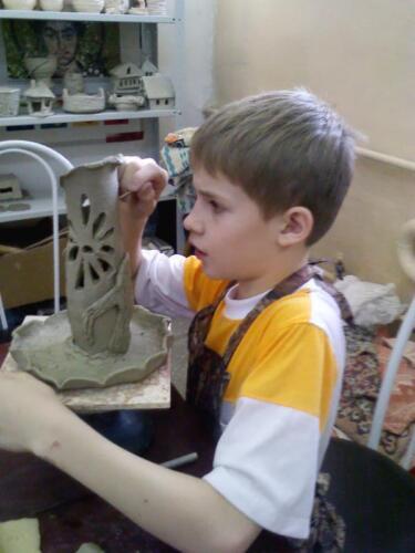 Детская группа в гончарной мастерской