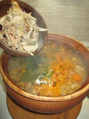 7. Готовим щи в глиняном горшке-супнице